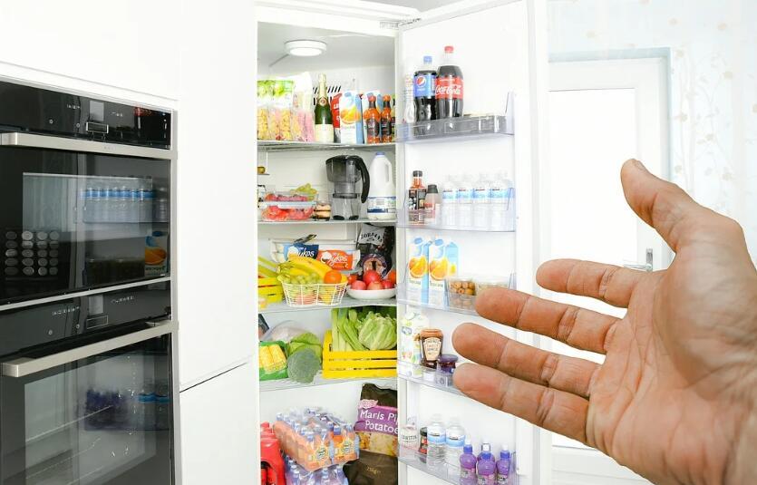 如何对家庭的冰箱进行杀菌和消毒工作?